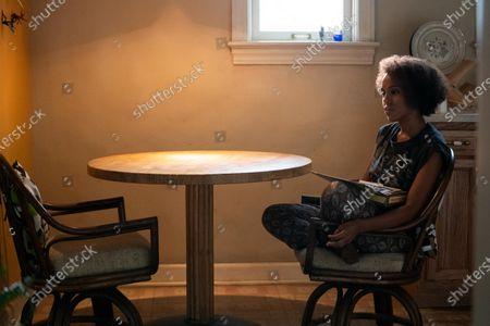 Kerry Washington as Mia Warren
