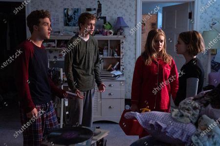 Jordan Elsass as Trip Richardson, Gavin Lewis as Moody Richardson, Jade Pettyjohn as Lexie Richardson and Megan Stott as Izzy Richardson