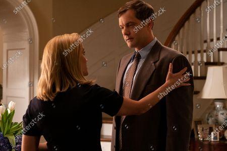 Reese Witherspoon as Elena Richardson and Joshua Jackson as Bill Richardson