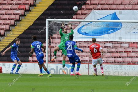 David Marshall (1) of Wigan Athletic makes an easy save