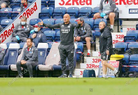Deepdale Stadium, Preston, Lancashire, England; Preston North End manager Alex Neil urges his team from the technical area; English Championship Football, Preston North End versus Nottingham Forest.