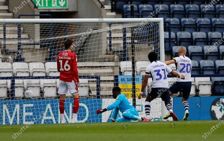 Deepdale Stadium, Preston, Lancashire, England; Jayden Stockley of Preston North End scores his side's first goal to make the score 1; English Championship Football, Preston North End versus Nottingham Forest.