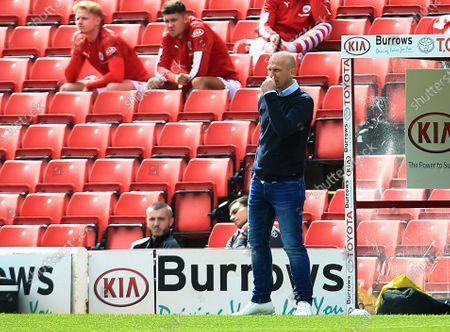 Barnsley manager Gerhard Struber looks dejected