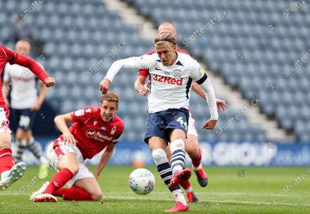 Brad Potts of Preston North End misses a chance to score