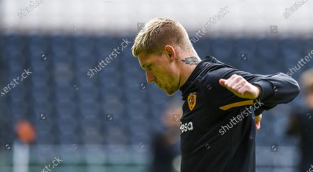 Jordy de Wijs of Hull City warms up