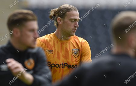 Tom Eaves of Hull City warms up