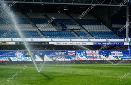 Water sprinklers rehydrate the pitch at half-time