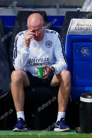 Mark Warburton Manager of QPR dejected on the sideline as he reacts to Sheffield Wednesday leading 2-0