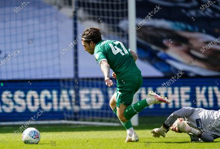 Josh Windass of Sheffield Wednesday misses an opportunity at goal after taking the ball around Joe Lumley of QPR