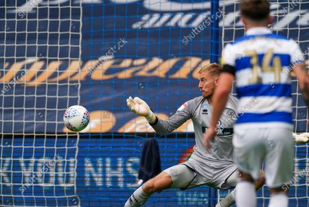 Joe Lumley of QPR fails to save a shot at goal by Dominic Iorfa of Sheffield Wednesday