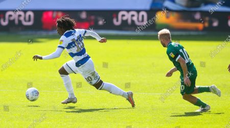Eberechi Eze of QPR  breaks away from Barry Bannan of Sheffield Wednesday