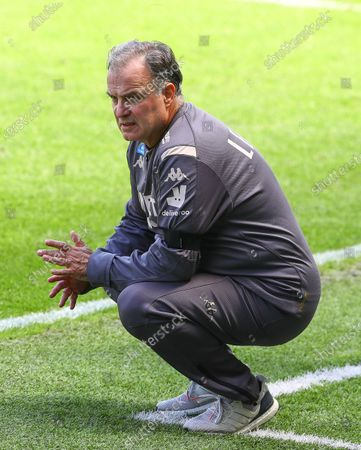 Marcelo Bielsa Manager of Leeds United watches on the touchline