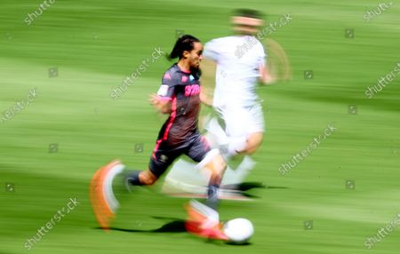 Helder Costa of Leeds United runs with the ball