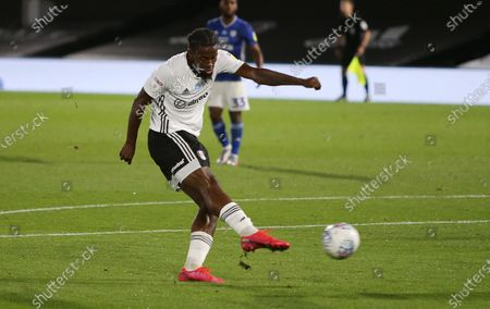 Joshua Onomah of Fulham scores a goal in the second half.