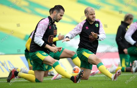 Norwich forward Teemu Pukki (R) during the warm-up for the English Premier League match between Norwich City and West Ham United in Norwich, Britain, 11 July 2020.