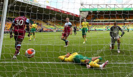 Image éditoriale de Norwich City vs West Ham United, United Kingdom - 11 Jul 2020