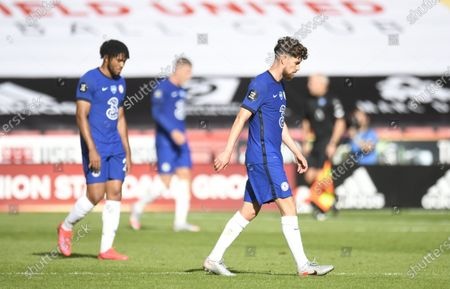 Jorginho of Chelsea (R) reacts during the English Premier League match between Sheffield United and Chelsea in Sheffield, Britain, 11 July 2020.
