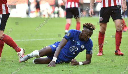 Photo libre de droits de Tammy Abraham of Chelsea reacts during the English Premier League match between Sheffield United and Chelsea in Sheffield, Britain, 11 July 2020.