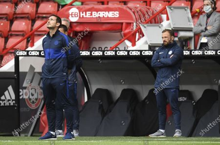 Frank Lampard of Chelsea joins a minute silence during the English Premier League match between Sheffield United and Chelsea in Sheffield, Britain, 11 July 2020.