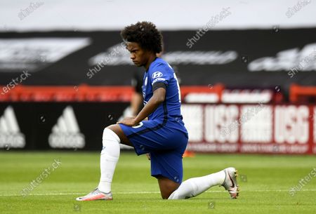Willian of Chelsea takes the knee during the English Premier League match between Sheffield United and Chelsea in Sheffield, Britain, 11 July 2020.