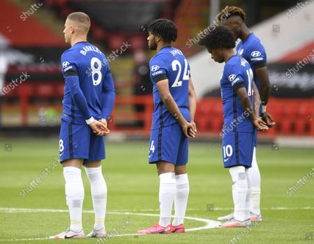 Willian of Chelsea (C) observes a minute silence during the English Premier League match between Sheffield United and Chelsea in Sheffield, Britain, 11 July 2020.