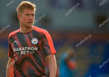 Illustration libre de droits de Manchester City's Kevin De Bruyne looks on during the warm-up before the English Premier League match between Brighton & Hove Albion and Manchester City in Brighton, Britain, 11 July 2020.