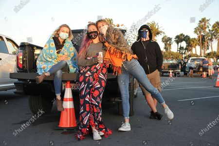 Randy Houser fans relax before the show at Concerts In Your Car with Randy Houser at Concerts In Your Car, at the Ventura County Fairgrounds in Ventura, Calif