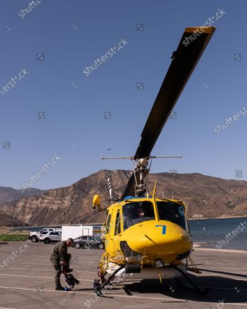 Photo libre de droits de Ventura County Air Search and Rescue at Lake Piru head out on another search