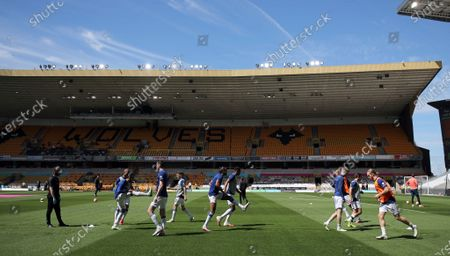 Everton players warm up prior the English Premier League match between Wolverhampton Wanderers and Everton at Molineux Stadium, in Wolverhampton, Britain, 12 July 2020.