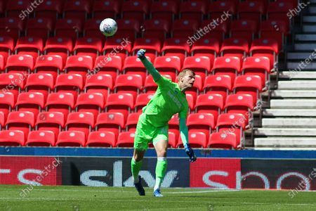 Adam Davies of Stoke City (16) throws out the ball during the EFL Sky Bet Championship match between Stoke City and Birmingham City at the Bet365 Stadium, Stoke-on-Trent