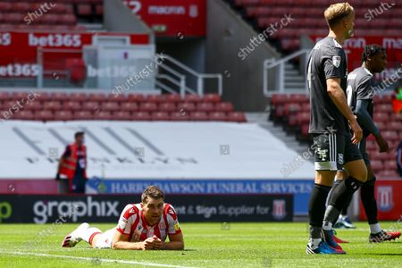 Sam Vokes of Stoke City (9) cannot believe his attempt went over the bar during the EFL Sky Bet Championship match between Stoke City and Birmingham City at the Bet365 Stadium, Stoke-on-Trent