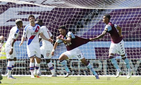 Trezeguet (2-R) of Aston Villa celebrates after scoring the 1-0 lead during the English Premier League soccer match between Aston Villa and Crystal Palace in Birmingham, Britain, 12 July 2020.