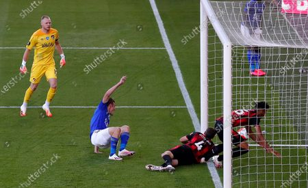 Leicester's Jamie Vardy (2-L) scores for a 1-0 lead during the English Premier League match between AFC Bournemouth and Leicester City in Bournemouth, Britain, 12 July 2020.