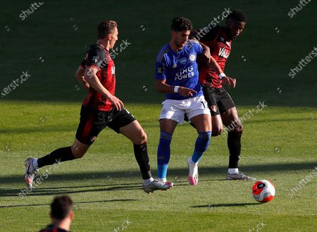 Leicester's Ayoze Perez (C) in action against Bournemouth's Dan Gosling (L) and Jefferson Lerma (R) during the English Premier League match between AFC Bournemouth and Leicester City in Bournemouth, Britain, 12 July 2020.