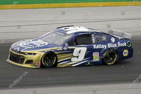 Chase Elliott (9) drives during a NASCAR Cup Series auto race, in Sparta, Ky