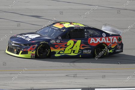 William Byron (24) drives during a NASCAR Cup Series auto race, in Sparta, Ky