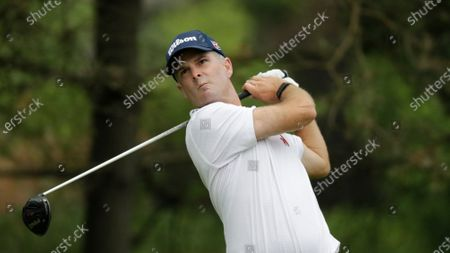 Kevin Streelman hits on the second hole during the final round of the Workday Charity Open golf tournament, in Dublin, Ohio