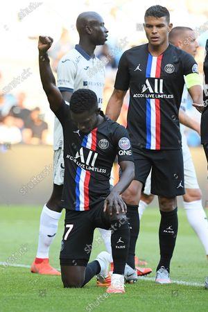 Idrissa Gueye celebrates after a goal