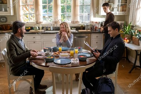 Josh Hamilton as Mr. Jensen, Amy Hargreaves as Mrs. Lainie Jensen, Dylan Minnette as Clay Jensen and Brandon Flynn as Justin Foley