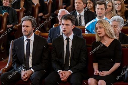 Stock Picture of Josh Hamilton as Mr. Jensen, Dylan Minnette as Clay Jensen and Amy Hargreaves as Mrs. Lainie Jensen
