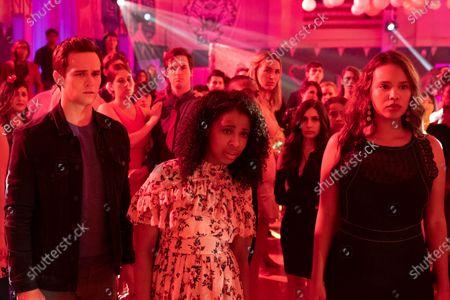 Brandon Flynn as Justin Foley, Grace Saif as Ani Achola and Alisha Boe as Jessica Davis