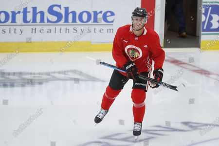 Chicago Blackhawks center Jonathan Toews takes the ice for the NHL hockey practice at Fifth Third Arena, in Chicago