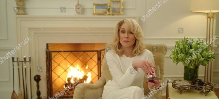 Judith Light as Dede Standish