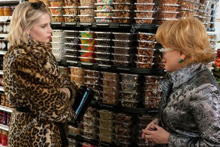 Lucy Boynton as Astrid Sloan and Bette Midler as Hadassah Gold