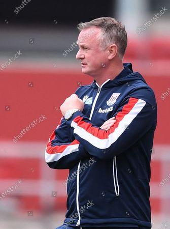 Ashton Gate Stadium, Bristol, England; Michael O'Neill Manager of Stoke City gestures to his team; English Football League Championship Football, Bristol City versus Stoke City.