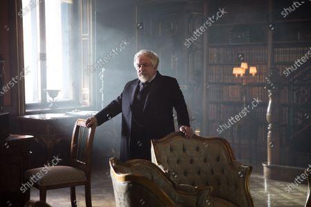Simon Russell Beale as Professor Lippmann