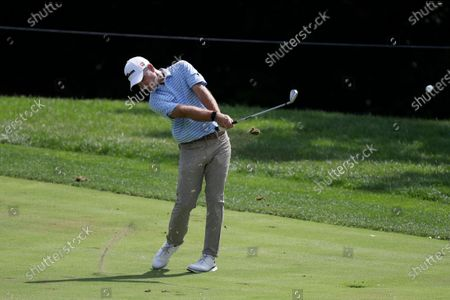 Kevin Streelman hits from the ninth fairway during the first round of the Memorial golf tournament, in Dublin, Ohio