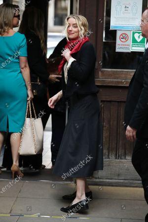 Amanda Heard arrives at court