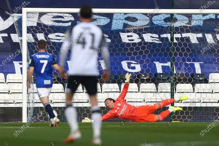 Lee Camp of Birmingham City is beaten by Graeme Shinnie of Derby for the opening goal