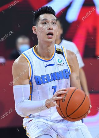 Jeremy Lin of Beijing Ducks competes during a match between Beijing Ducks and Fujian Sturgeons at the 2019-2020 Chinese Basketball Association (CBA) league in Qingdao, east China's Shandong Province, July 22, 2020.